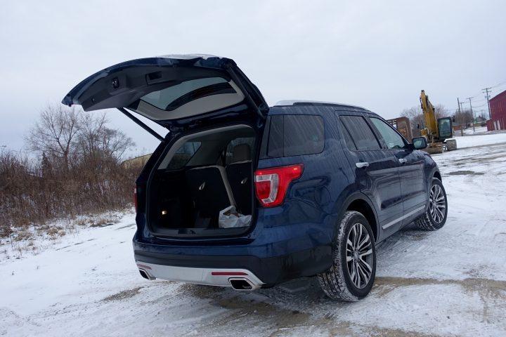 2016 Ford Explorer Platinum Review - 30