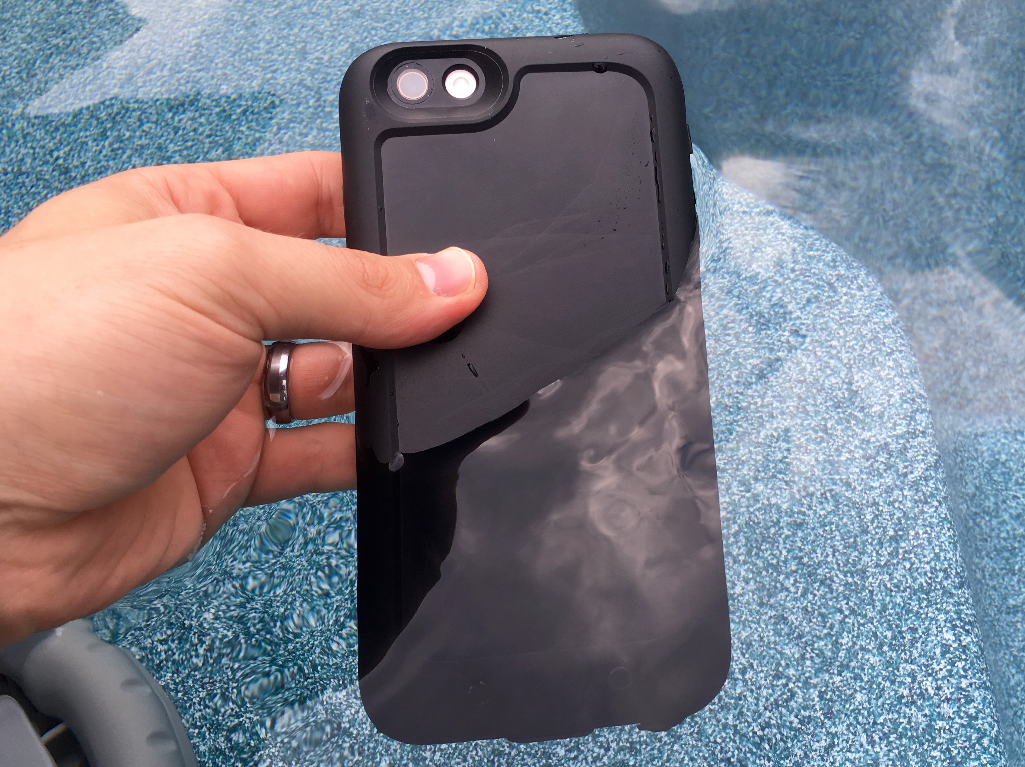 This is the Mophie Juice Pack H2Pro, a waterproof iPhone 6s Plus battery case.