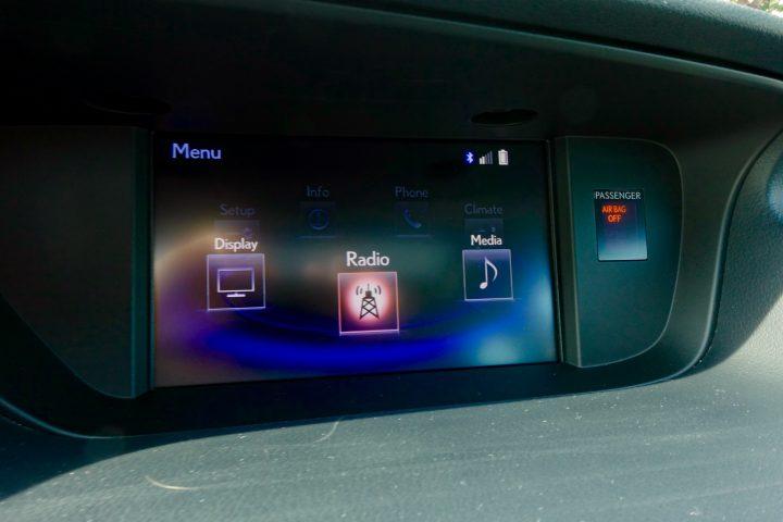 2016 Lexus ES350 Review - 13