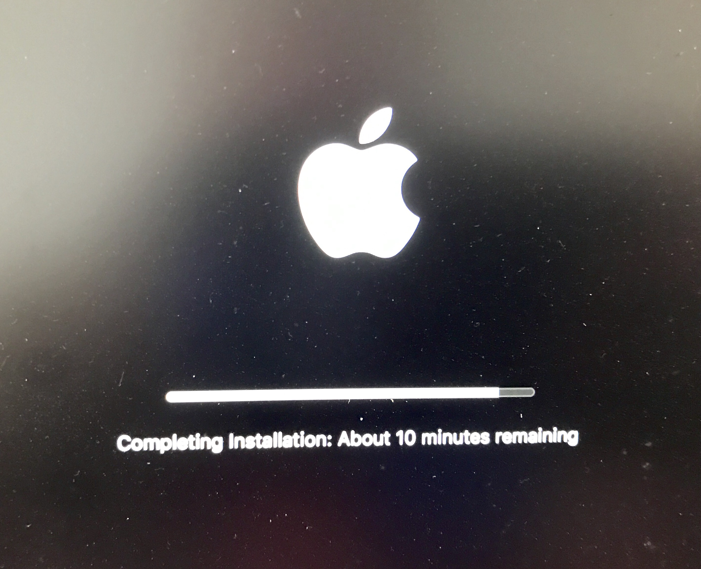 How long the macOS Sierra update takes to download and install.