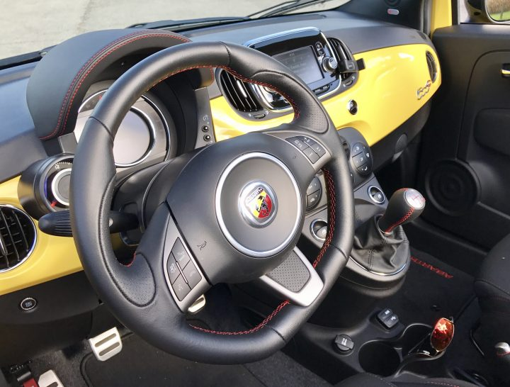 2016-fiat-500-abarth-review-interior-2