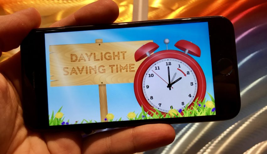 What you need to know about iPhone Daylight Saving Time 2018.