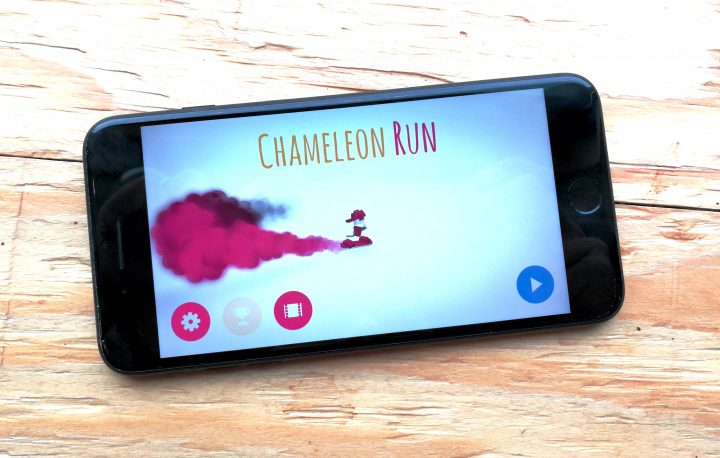 There are no Chameleon Run ads or in-app purchases.