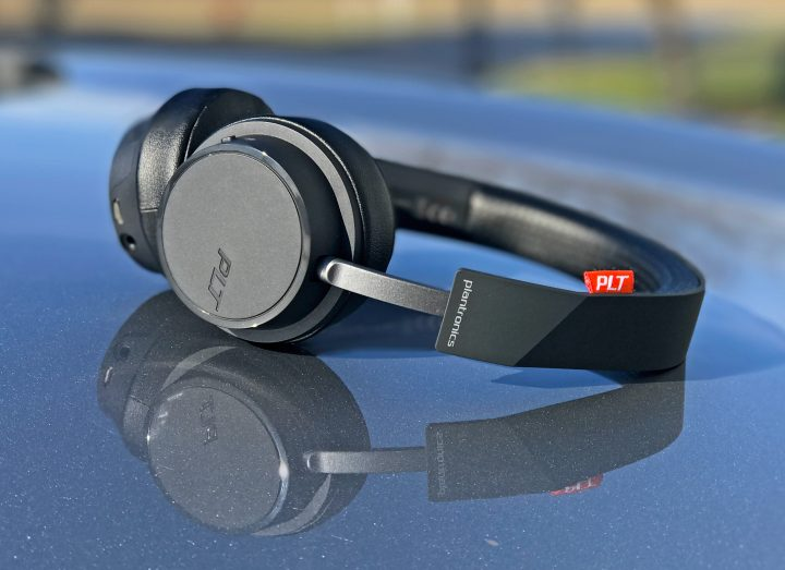 The Plantronics Backbeat 500 wireless headphones.