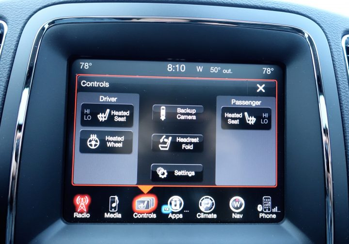 Control some car options from the screen.