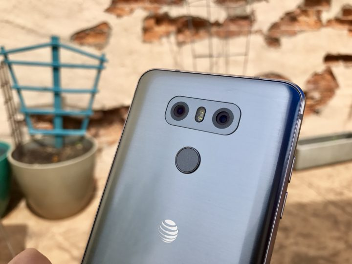 The dual cameras on the LG G6 perform excellently.