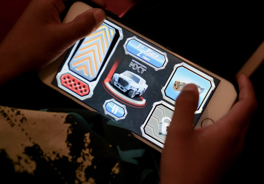Anki OVERDRIVE: Fast & Furious Edition Review: Controller in App
