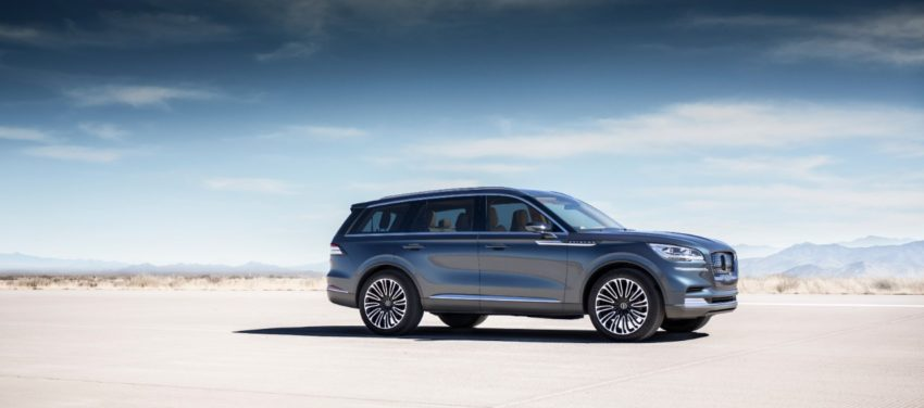 The new Lincoln Aviator is a plug in hybrid with three rows and you can use your smartphone as a key.