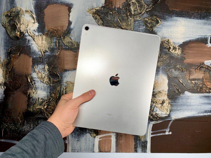 Wait for Apple's 10.2-inch iPad