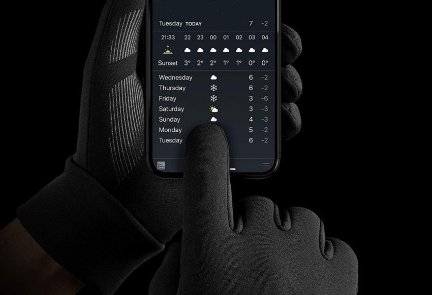 Best Touchscreen Gloves 2021 10 Best Touchscreen Gloves You Can Wear This Winter