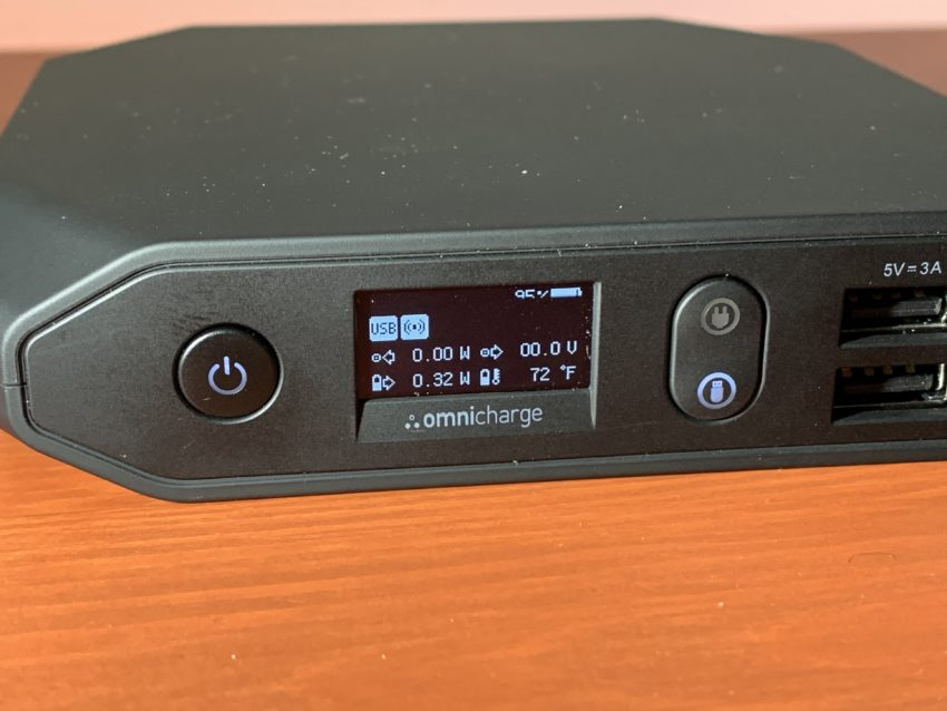 Always know the status of your portable charger with this OLED display.