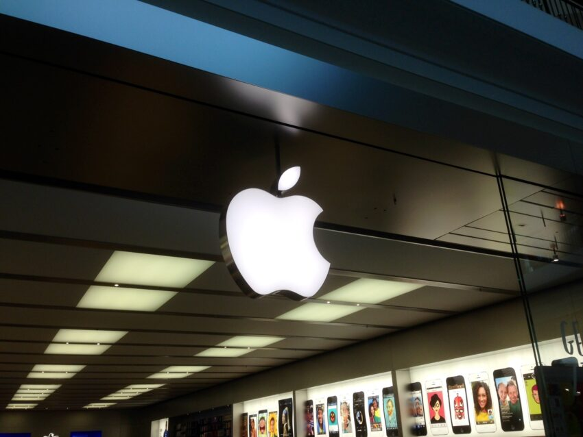 Expect Some Apple Store Black Friday Deals