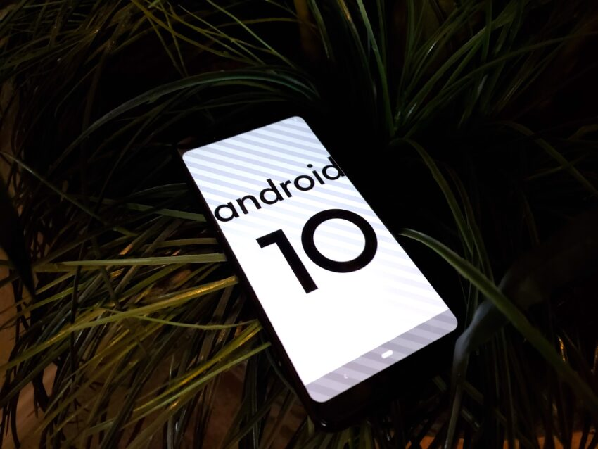 Most People Should Wait for the Android 10 OTA