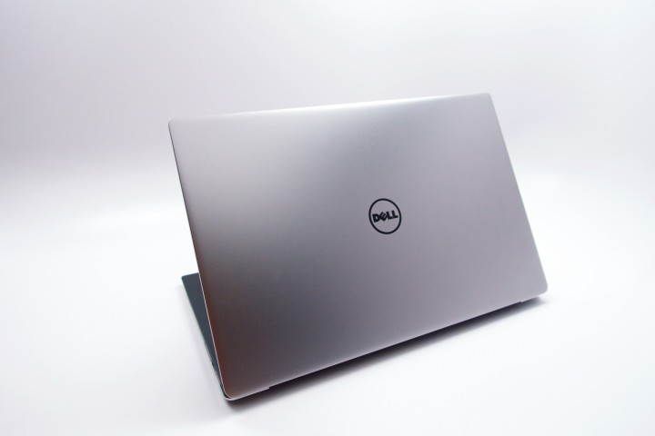 A slim and thin aluminum and carbon fiber design marry to form a beautiful notebook.