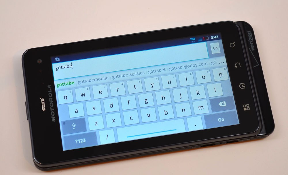 Droid 3 Review softkeyboard