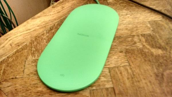 Nokia Wireless Charging Plate DT-903 Review (1)