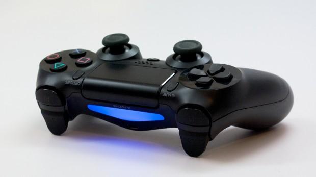PS4-Black-Friday-2014-Accessory-Deals