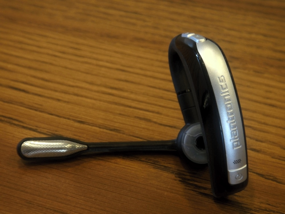plantronics voyager pro uc 2 review editor 39 s choice bluetooth headset. Black Bedroom Furniture Sets. Home Design Ideas