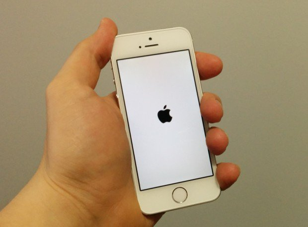 Learn how to unjailbreak iOS 8 and iOS 8.1.2 on the iPhone.