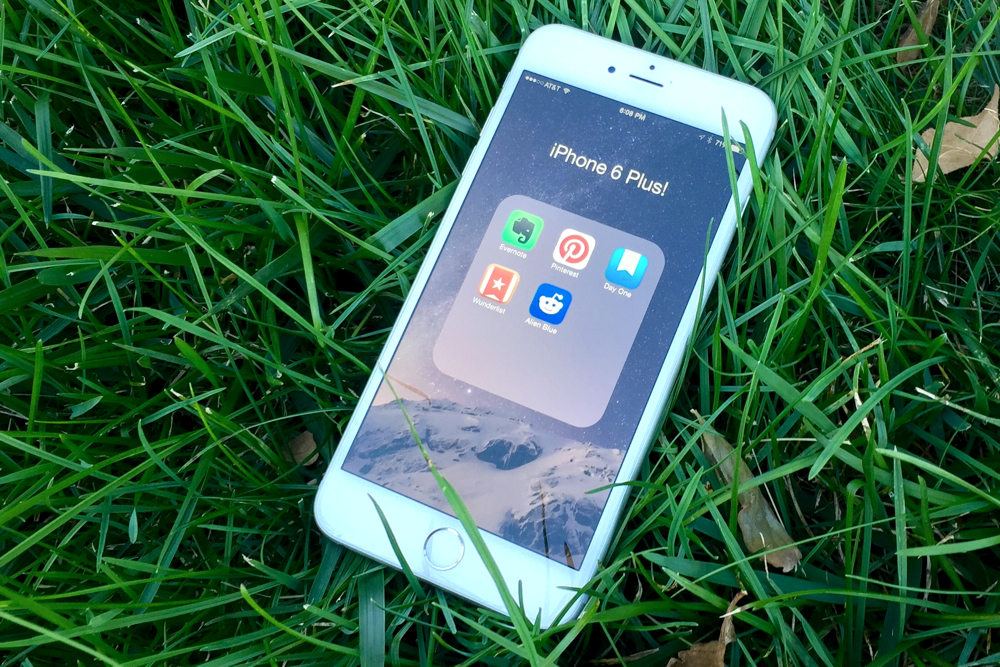 iPhone 6 Plus apps work fine on iOS 8.1.3.