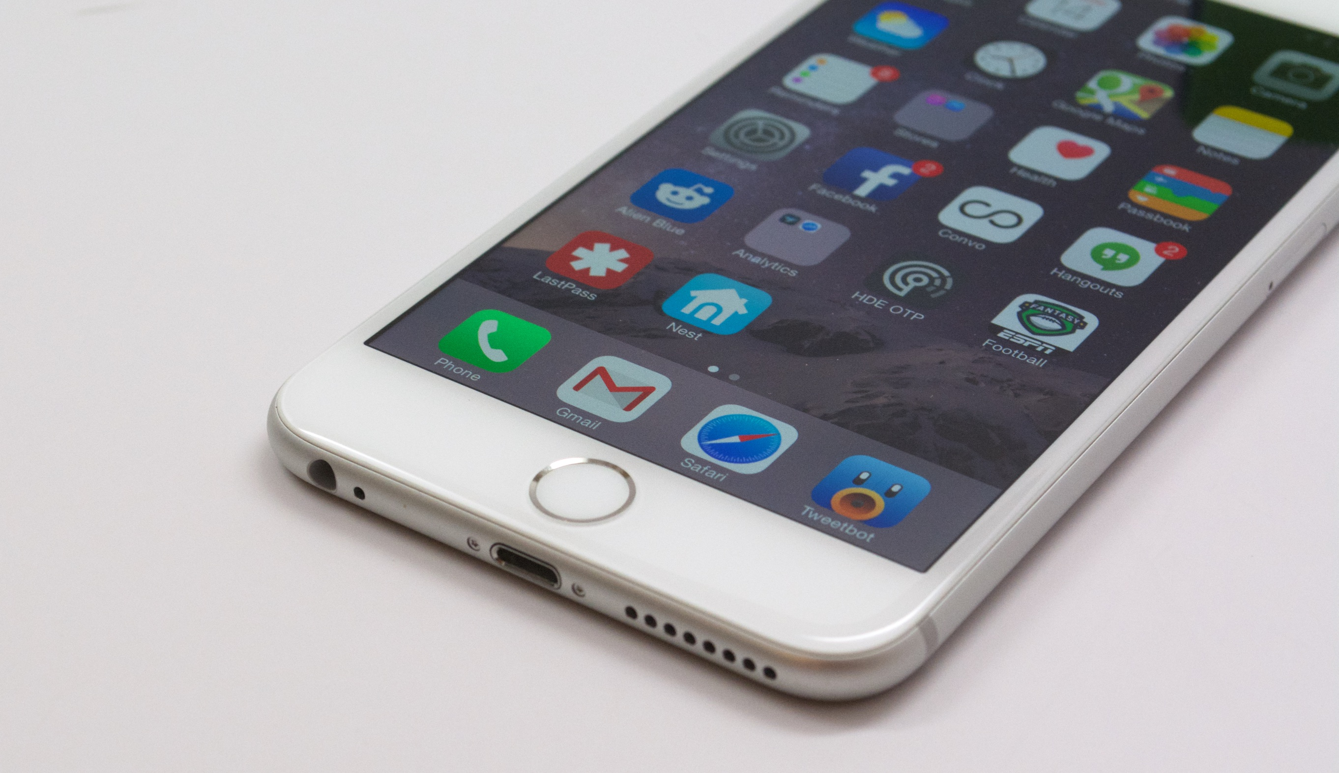 9 common iphone 6 plus problems how to fix them. Black Bedroom Furniture Sets. Home Design Ideas